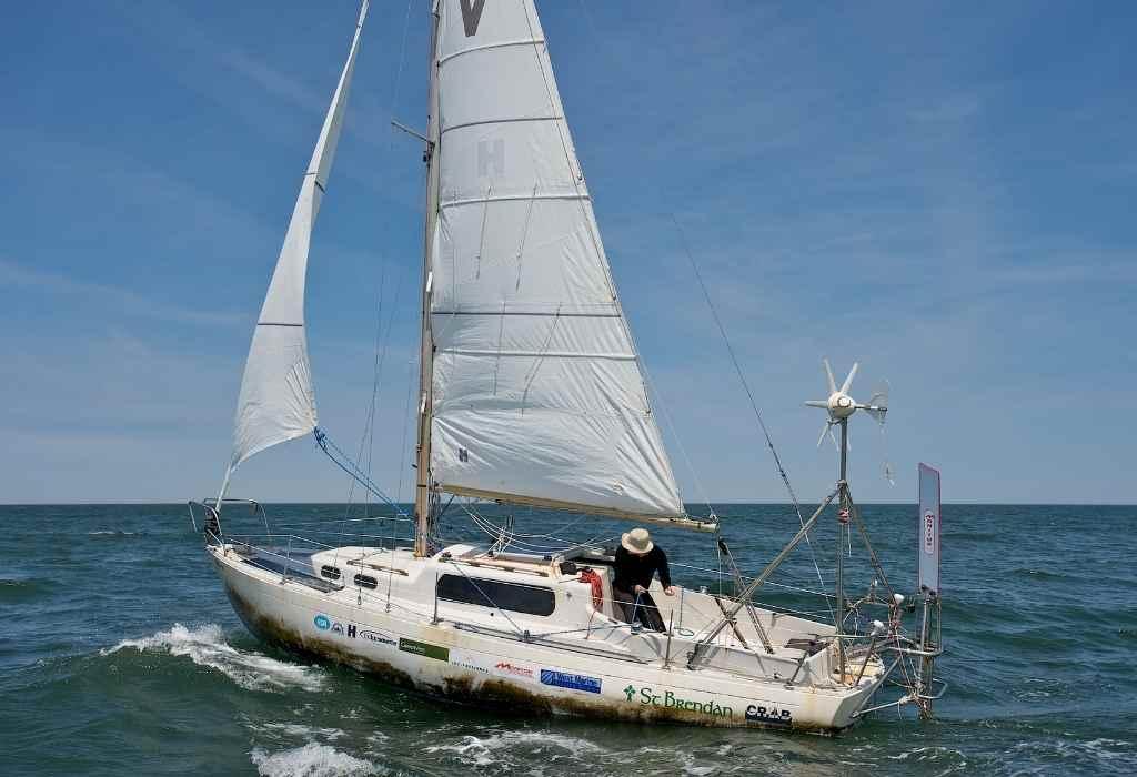 Albin Vega 27 single handed solo sailboat