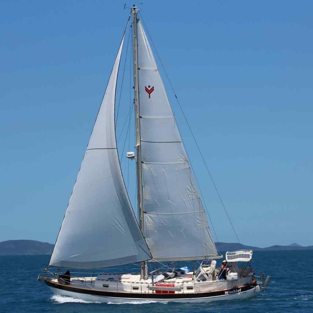 Valiant 40 solo sailing