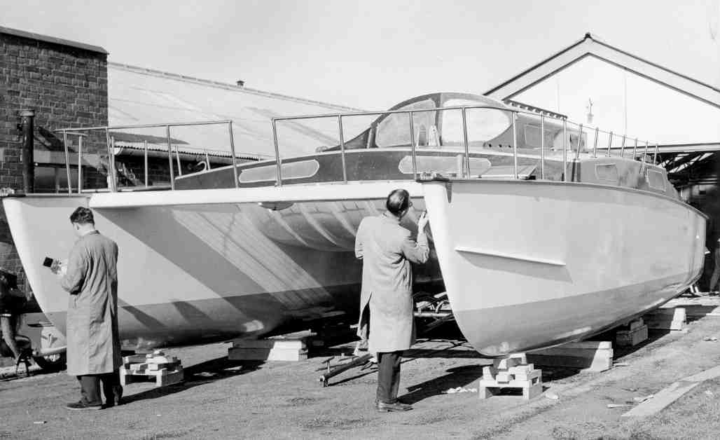 What Are the Characteristics of a Catamaran Hull
