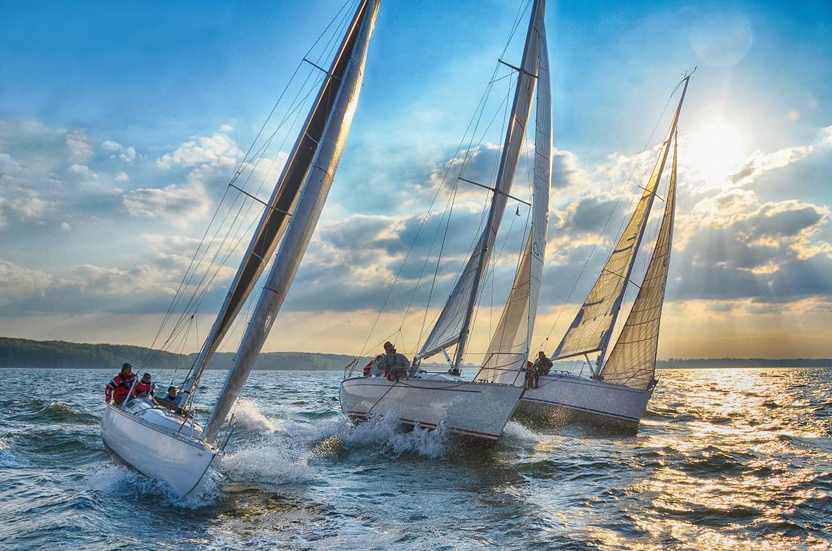 Windward vs Leeward Sailing